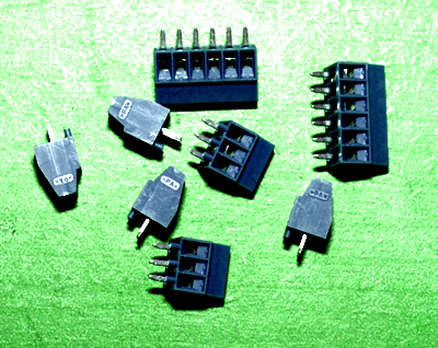 PCB mount screw terminals